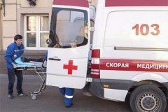 В Москве машина сбила насмерть трех человек на остановке