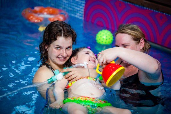 Виталина в бассейне