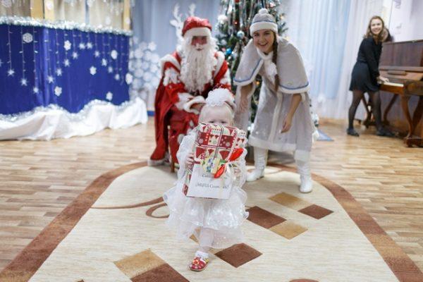 В Перми исполняют новогодние желания детей из онкоцентров и детдомов