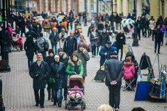Две трети россиян выступают за сближение со странами Запада