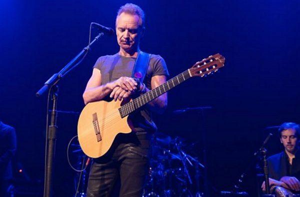 В парижском «Батаклане» прошел первый концерт после прошлогоднего теракта