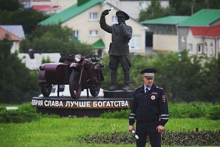 Полицейские-герои: на службе и в жизни