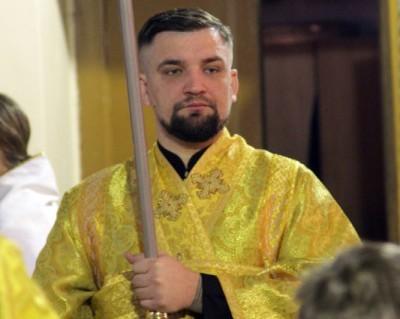 Рэпер Баста принял участие в богослужении в гатчинском храме