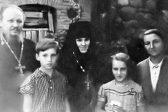 Опубликованы редкие снимки Патриарха Кирилла и его родственников