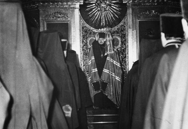 Всенощное бдение в храме святого апостола Иоанна Богослова Ленинградской духовной академии. 1970-е гг.
