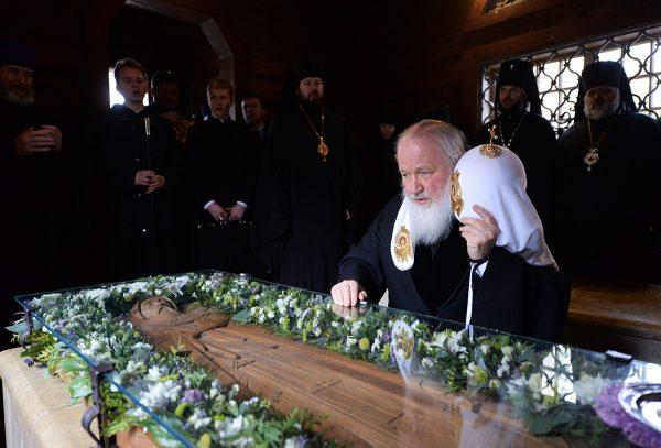 Посещение Казанского храма в Вырице в день 65-летия преставления прп. Серафима Вырицкого. 3 апреля 2014 г.