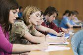 В Госдуму внесли законопроект о поддержке выпускников детдомов