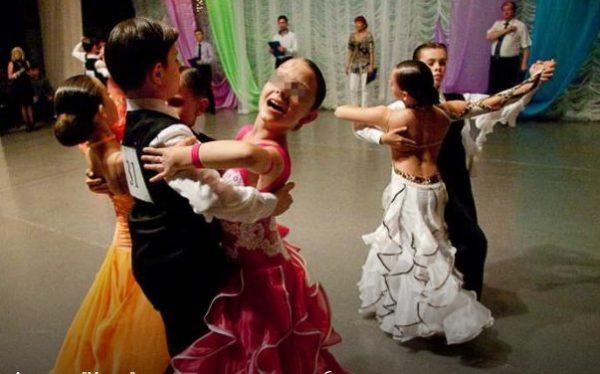 Вице-мэр Волгограда потерял работу из-за скандала вокруг бальных танцев