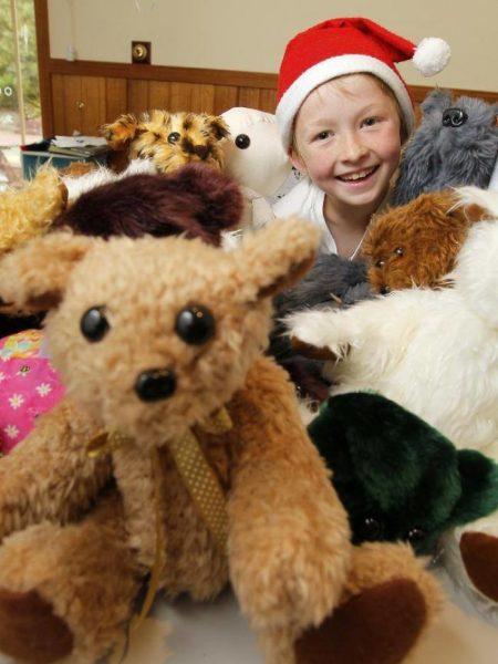 """Он сам научился шить и начал проект """"365"""". Кэмпбелл решил, что сделает 365 подарков для детей и передаст их в больницы, благотворительные организации и распределительные пункты на Рождество."""