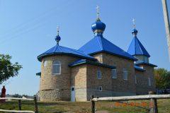 На Украине верующие, у которых отобрали храм, построили новый