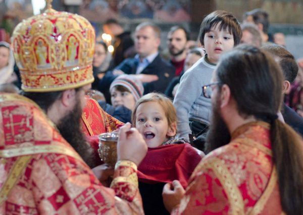 Соцопрос: Украинская Православная Церковь — крупнейшая конфессия страны