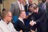 Петербуржец с ДЦП просит власти разрешить подписываться отпечатком пальца