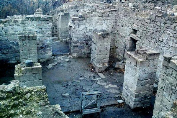 Археологи нашли в Крыму уникальный средневековый византийский собор