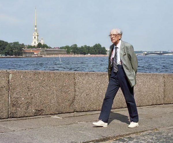 Д. С. Лихачев в Санкт-Петербурге. 1980-е гг.