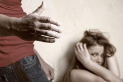 В Госдуму внесли законопроект о декриминализации семейных побоев