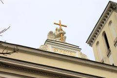 В Петербурге отреставрировали знаменитую скульптуру ангела на Петрикирхе