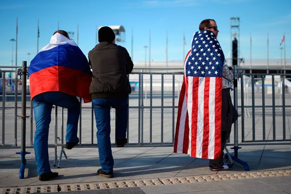 Россияне стали лучше относиться к США, говорят социологи