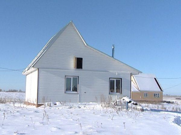 В Челябинской области чиновники приобрели для сироты дом из железнодорожных шпал