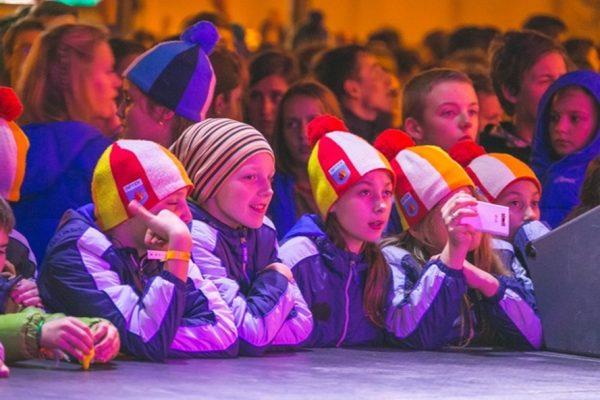 Детей из подтопленных районов Приморья отправили на отдых в «Артек»