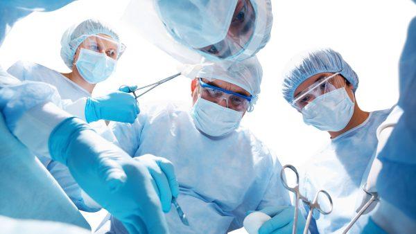 Красноярские хирурги пересадили двум пациентам сердце и печень