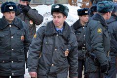 Менее половины россиян доверяют сотрудникам полиции