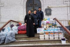 Священники собрали 17 тонн гуманитарного груза для жителей востока Украины