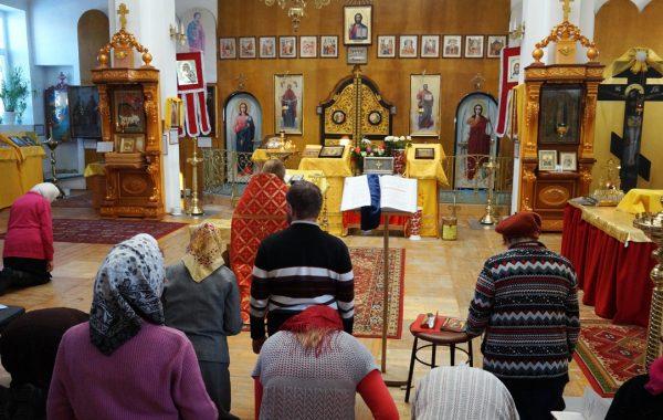 Молебен у мощей в Камышлове в храме Сорока Севастийских мучеников