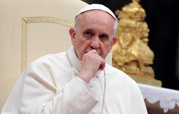 Папа Римский провел мессу для заключенных