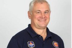 Врач баскетбольного клуба «Парма» спас жизнь пассажиру самолета