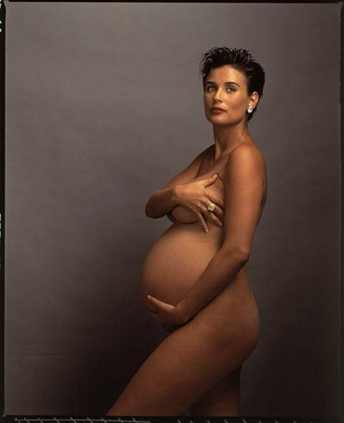 Ани Лейбовиц. Деми Мур. 1991. Не думаю, что это хорошая фотография. Это обложка журнала. Портретом эта фотография стала бы, если бы она не прикрывала свою грудь», – Ани Лейбовиц.