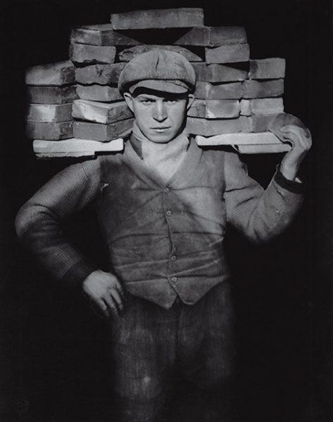 Август Зандер, Каменщик. 1928.