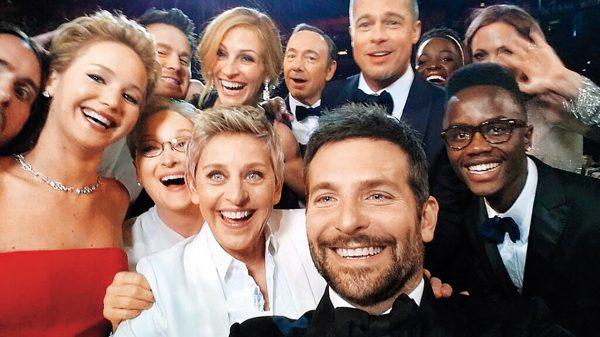 Брэдли Купер. Звездное селфи на «Оскаре». 2014. «Это был невероятный момент спонтанности, который я никогда не забуду. Спасибо селфи», – Эллен ДеДженерес.