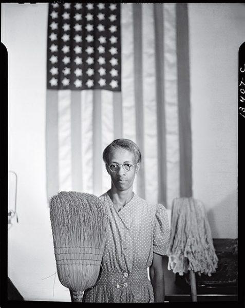 Гордон Паркс. Американская готика. 1942. «Меня не волнует, что чувствуют другие. Вот что я чувствовал насчет Америки и места Эллы Уотсон в Америке», – Гордон Паркс.