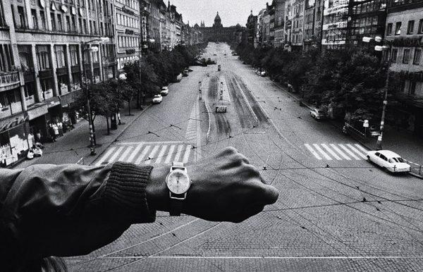 Йозеф Куделка. Вторжение. Прага, 1968. «Своим воспоминаниям вы можете не доверять, но вы можете доверять своим фотографиям», – Йозеф Куделка.