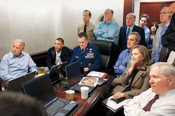 Пит Соуза. Ситуационная комната. 2011. «Это были самые длинные 40 минут в моей жизни», – президент США Барак Обама.