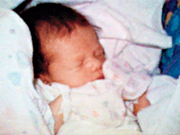 Филиппе Кахн. Первое фото, сделанное на телефон. 1997. «Первая мобильная фотография родилась в Санта-Крус 11 июня 1997 года в клинике Sutter», – Филиппе Кахн.