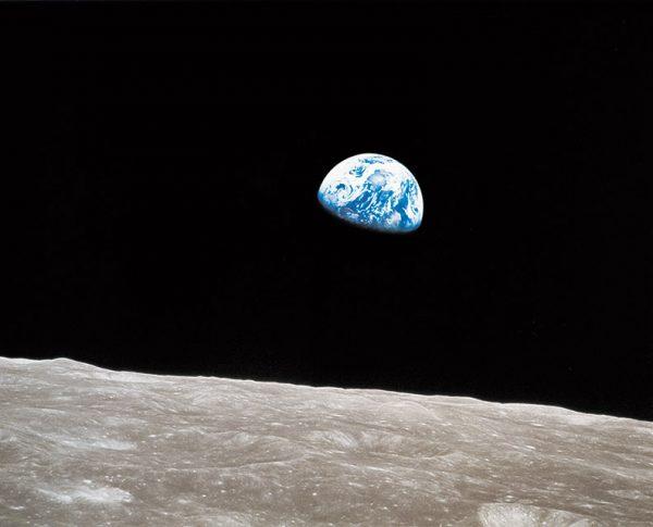Уильям Андерс. Восход Земли. 1968. «Люди впервые узнали, как выглядит Земля», – Уильям Андерс.