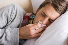 Врачи 12 часов спасали жизнь мужчине с двумя вирусами гриппа и ОРВИ