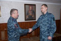 Полицейский из Нефтеюганска спас двух детей на пожаре в Дагестане