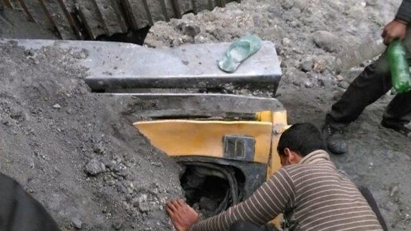 В Индии 50 горняков заблокированы под землей после обрушения шахты