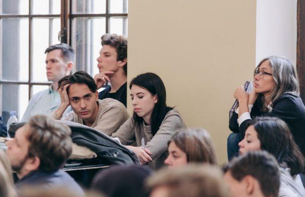 Суд разрешил Европейскому университету проводить обучение