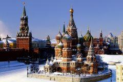 Россияне сказали социологам, как относятся к властям, военным и Церкви