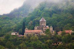 Проливные дожди повредили фрески в древнем грузинском монастыре
