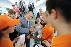 Президент отклонил закон об электронной базе школьников