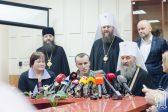 Митрополит Онуфрий: Мы будем помогать в освобождении украинских военных