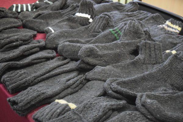 Заключенные из Удмуртии связали носки и варежки для нуждающихся