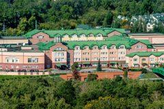 СМИ: Власти России закроют англо-американскую школу из-за санкций