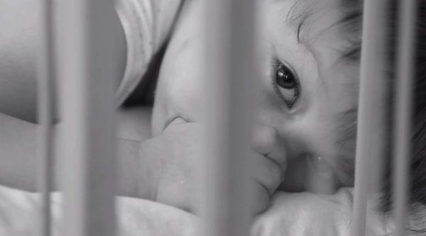 Восемь детей стали сиротами после отравления родителей «Боярышником»