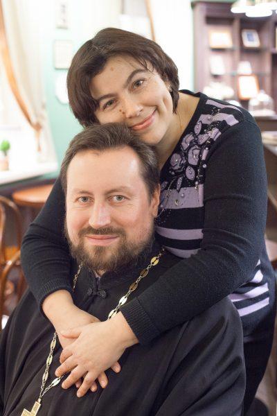 Отец Александр с супругой. Фото: Андрей Петров