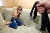 Растет число детей, изъятых из приемных семей из-за жестокого обращения